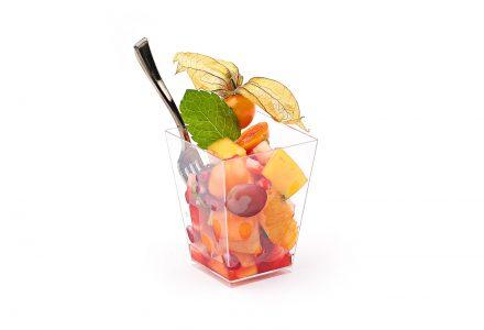 Bunter Fruchtsalat in Aperol mariniert mit frischer Minze
