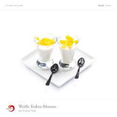 Weiße Kokos-Mousse mit Ananas-Salat