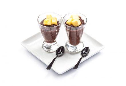 Kubanisches Schokomousse mit Rum-Ananas