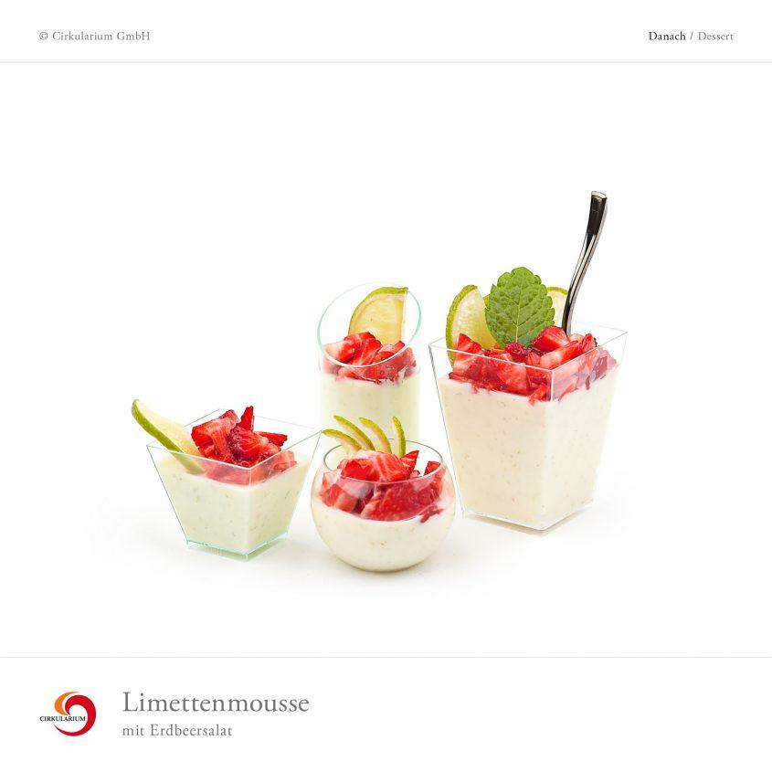 Limettenmousse mit Erdbeersalat