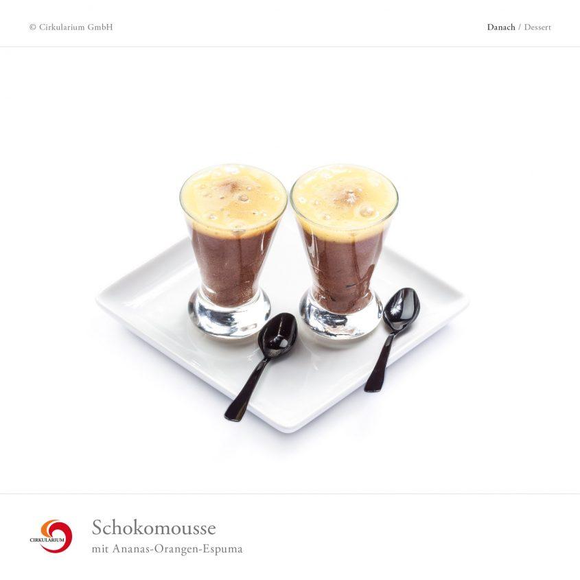 Schokomousse mit Ananas-Orangen-Espuma
