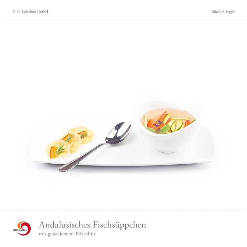 Andalusisches Fischsüppchen mit gebackenem Käsechip