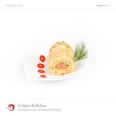 Crêpes Röllchen mit Räucherlachs und Mango-Chili-Püree