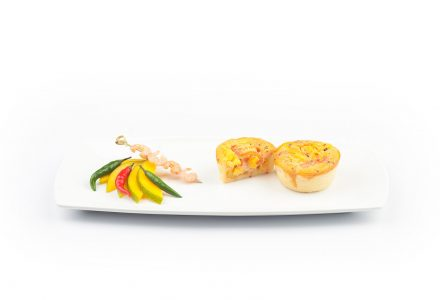 Mini-Quiche mit Shrimps und Mango-Chili-Püree
