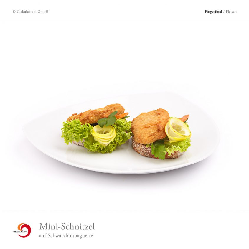 Mini-Schnitzel auf Schwarzbrotbaguette