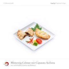 Blätterteig-Calzone mit Caponata Siciliana mit sizilianischem Gemüse und Kräutern