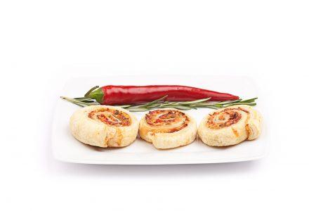 Blätterteigschnecken mit provenzalischer Drei-Käse-Creme