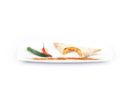 Indische Samosas mit würzigem Curry-Gemüse
