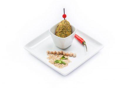Minz-Falafel auf Orangen-Chutney