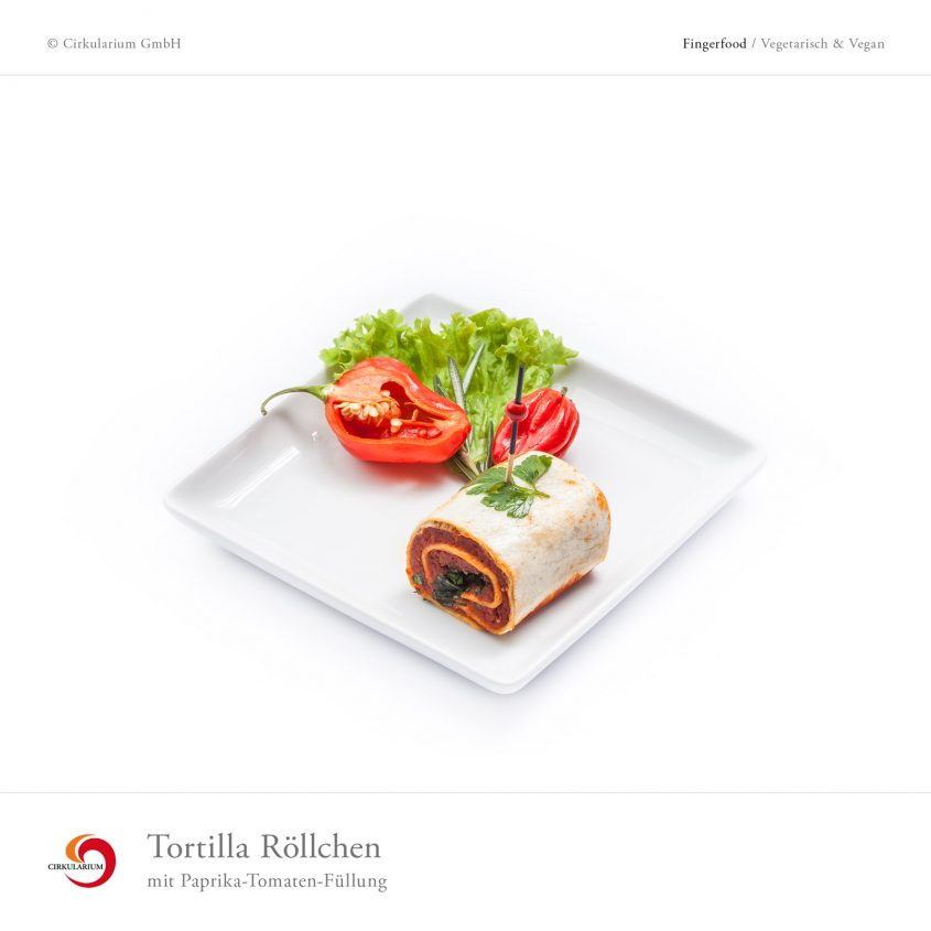 Tortilla Röllchen mit Paprika-Tomaten-Füllung
