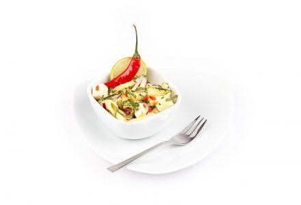 Penne mit Zucchini, Feta und frischer Minze