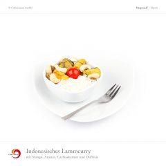 Indonesisches Lammcurry mit Mango, Ananas, Cashewkernen und Duftreis