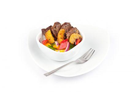 Rindergeschnetzeltes mit karamellisierter Grapefruit, bunten Paprika und kernigem Reis