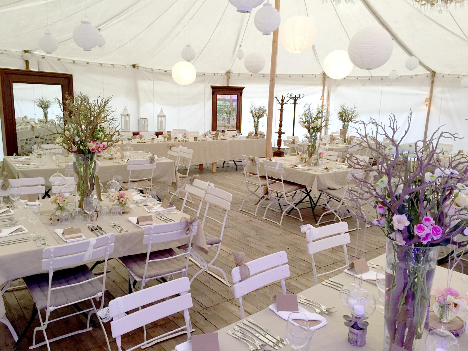 Wir machen s romantisch eine hochzeit auf dem lande cirkularium catering service augsburg - Zelt deko hochzeit ...