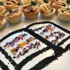 Elsäßer Tarteletts mit Brie und Speck